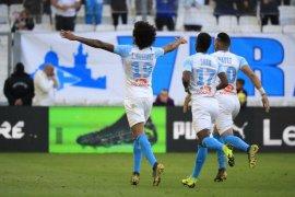 Marseille tundukkan Nimes 2-1