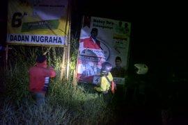Alat peraga kampanye Pemilu di jalanan Garut ditertibkan
