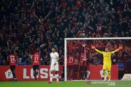 Kartu merah dan gol bunuh diri, PSG kalah di markas Lille