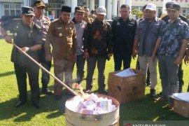 KPU Bangka Barat musnahkan 3.131 lembar surat suara tidak terpakai