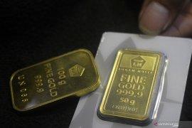 Harga emas berjangka jatuh di bawah nilai psikologis