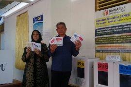 Bupati dan Wakil Bupati Malra gunakan hak pilih