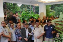 Prabowo ajak pendukungnya tidak jumawa dan jaga persaudaraan