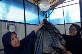 Pemkot Ambon tukar sampah plastik dengan beras