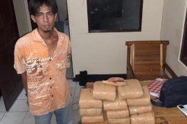 Polisi Binjai ringkus warga Sumbar bawa ganja 11 bal