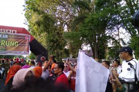 Festival Sarung meriahkan peringatan Hari Kartini di Makassar