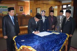 DPRD Sampaikan 18 Rekomendasi Terhadap LKPJ Bupati Mempwah TA 2018