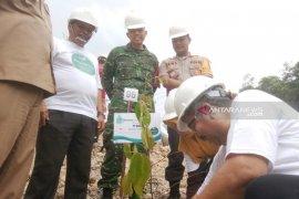 Peringati hari bumi, NSHE tanam pohon langka di wilayah PLTA Batangtoru