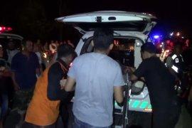 Mobil Avanza tabrak truk semen di Ngawi, dua penumpang tewas