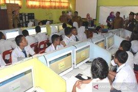93 SMP di Sintang masih ujian berbasiskan kertas dan pensil