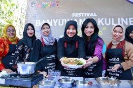 Kata koki Vania, kuliner pecel rawon Banyuwangi menghasilkan rasa yang menyatu