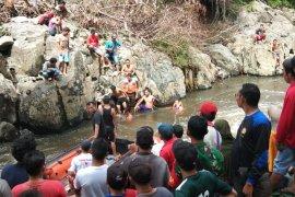 Siswa yang hilang di Sungai Suruk peserta UN SD