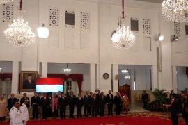 Presiden Joko Widodo melantik Gubernur Maluku
