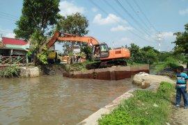 Pemkab Tangerang selesaikan normalisasi sungai