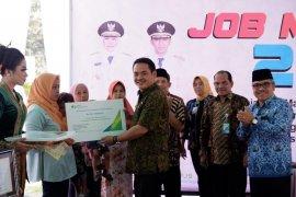 BPJS Ketenagakerjaan serahkan santunan jaminan kematian di Jombang