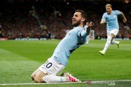 Menangi Derby Manchester, City mengambil alih puncak klasemen
