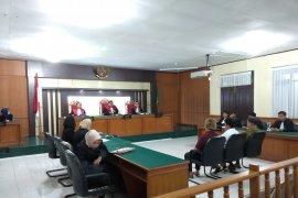 Terpidana korupsi Alkes RSUD Arifin Achmad dijebloskan ke penjara