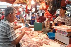 Harga daging ayam naik menjelang Ramadhan