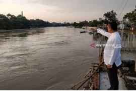 Siaga satu Pemkot Tangerang terjunkan personil bantu tangani banjir