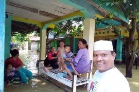 Sebagian korban banjir Tangerang rerjangkit  penyakit kulit