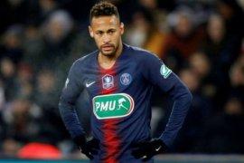 Hina wasit lewat medsos, Neymar diskors tiga laga