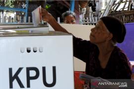 Warga Situbondo antusias hadir ke TPS untuk coblos ulang