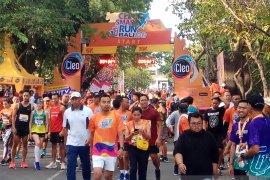 """Ribuan peserta ikuti """"CLEO Smart Run"""" di Bali"""