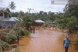 BPBD Kepahiang lakukan pencarian  cari tiga korban hilang terseret arus  banjir