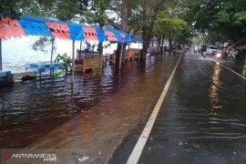 Sepuluh meninggal akibat banjir Bengkulu