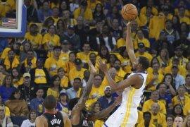 Warriors kalahkan Rockets 104-100 pada semifinal Wilayah Barat