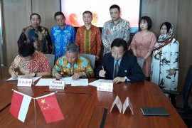 Pemkab Tabalong - Conch tandatangani kerjasama beasiswa