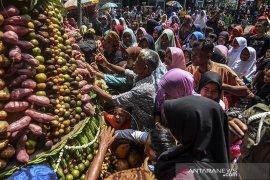 Tradisi gerebeg buah