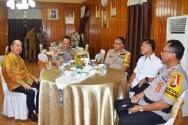 Polisi dan pers wajib jaga stabilitas keamanan nasional