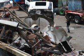 Seorang tewas akibat truk tangki meledak di Surabaya