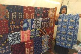 "Karya batik chanting Lebak hadirkan kekhasan festival ""Seba Baduy"""