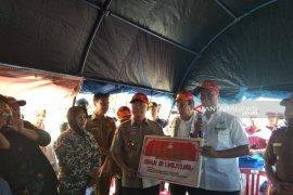 Menteri Sosial serahkan bantuan senilai Rp1 miliar untuk korban banjir Bengkulu
