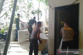 TNI dan Polri bantu KPU Singkawang pindahkan kotak suara