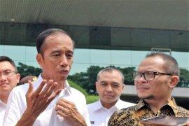 Presiden: Pulau Kalimantan berada di tengah Indonesia