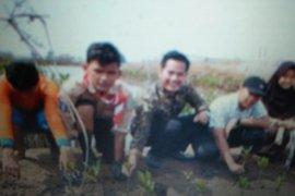 Dinas Perikanan Tangerang gandeng swasta tanam 200.000 batang bakau