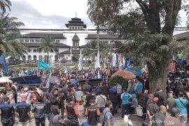 1.311 polisi amankan Hari Buruh di Kota Bandung