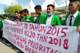 Mahasiswa tuntut kesejahteraan buruh di  Aceh