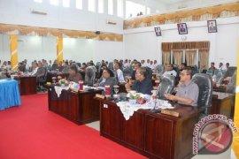 Diprediksi hanya 12 anggota DPRD Tapteng wajah lama