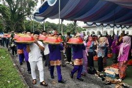 """Pemkab Bangka gelar tradisi """"Nganggung"""" 2.000 dulang (Video)"""