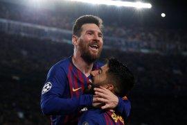 """Kata pelatih dan pemain Barca tentang si """"ajaib"""" Messi"""