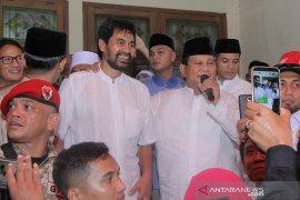 Prabowo dan Mualem sapa pendukung