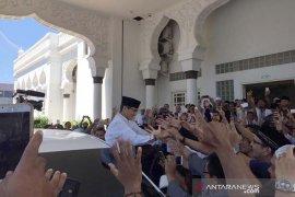 Prabowo-Sandi shalat Jumat di Masjid Raya Baiturrahman
