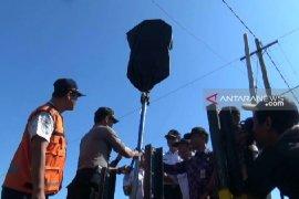 Perlintasan KA sebidang di Madiun dipasangi rambu peringatan