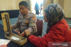 Sepanjang pleno rekapitulasi KPU Cianjur, 150 peserta periksa kesehatan