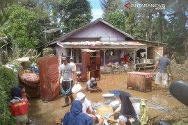 Korban banjir Kepahiang  Bengkulu kembali beraktivitas