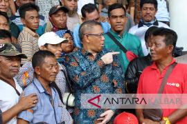Nelayan Tradisional Protes Ganti Rugi Pelabuhan Kijing